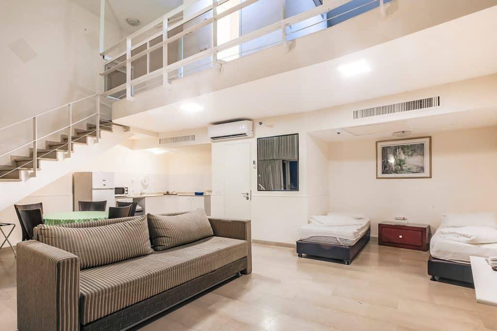 Large Duplex Apartment Sea View 1105